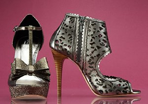 FOR THE EVENING: SANDALS, BOOTIES & PUMPS