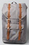 <b>HERSCHEL SUPPLY</b><br />The Little America Backpack in Grey