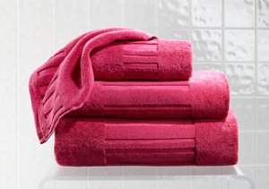Bathroom Update: Colorful Bath Towels