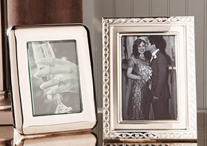 MEMORIES IN THE MAKING: PICTURE FRAMES