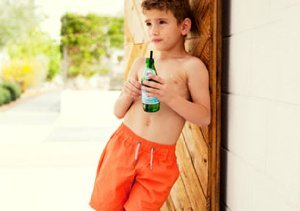 A TRIP TO THE BEACH: BOARDSHORTS, TEES & MORE