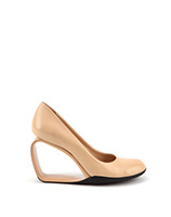 Step Möbius Pump - Nude | Pre-order NOW