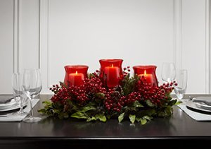Holiday Cheer: Wreaths, Garlands & More