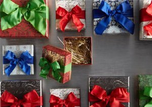 Winter Wrappings: Greeting Cards, Gift Boxes & More