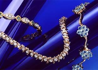 Gold Weekend: Bracelets Sale