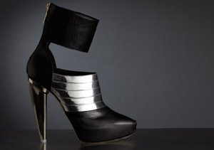 DESIGNER BOOTS: UP TO 80% OFF