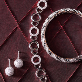 Shine Time: Women's Jewelry
