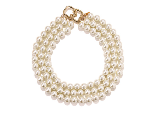 Kenneth Jay Lane has designed jewelry for Audrey Hepburn and Jackie O. This necklace is as timeless as those women!