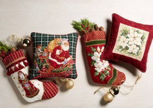 Yuletide Needlepoint: Pillows, Rugs & Stockings
