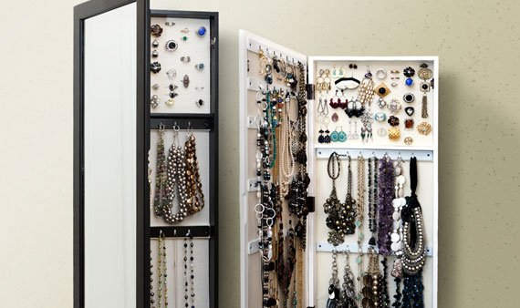 Chic Jewelry Organization - Visit Event