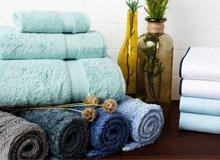 Keep It Simple Single-Hued Bedding & Bath