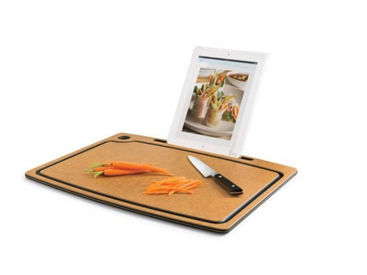 Chef Sleeve has created one cool little cutting board that's very convenient to have in the kitchen. It keeps your recipes right in front of you while you're cooking.  Love it.