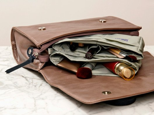 "The secret to finding ""the perfect bag"" is this brilliant little purse organizer."