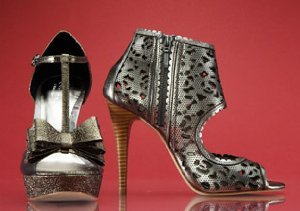 HOLIDAY PARTY: HEELS FOR DANCING