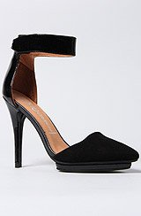 The Solitaire Shoe
