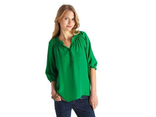 This is one of those easygoing blouses that you can wear with anything from boyfriend jeans to your most professional pencil skirt.