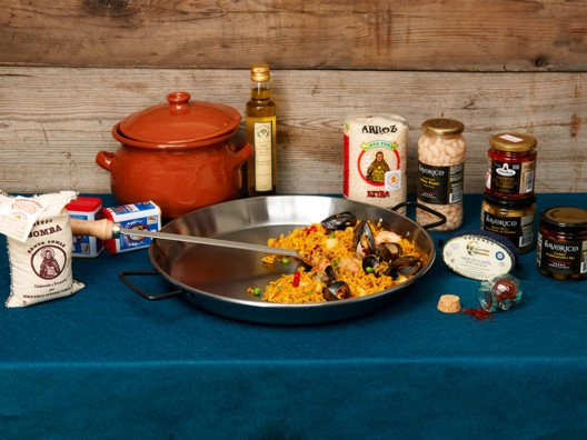 All you need to make the most delicious paella is available right here.