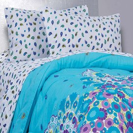 Vivid Dreams: Comforters & Bedding