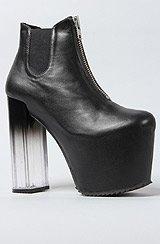 The Das Boot in Black