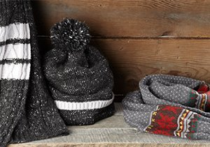 STAY WARM: GLOVES, HATS & MORE
