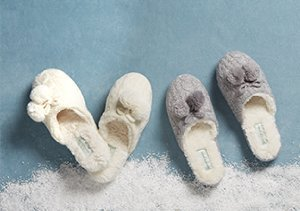 COZY UP: SLIPPERS