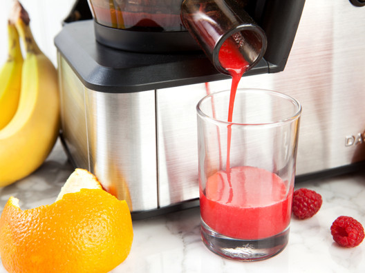 Dash Slow Squeeze Juicer from Alicia Silverstone