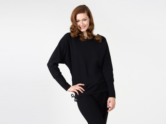 This is the perfect cozy pullover for a relaxing day at the house--and it can be jazzed up for day out, too!