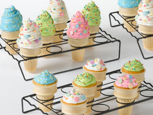 Making cupcake cones is neat and easy, thanks to this unique rack!