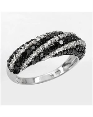 1.26 CTW Diamonds Ladies Ring Designed In 925 Sterling Silver