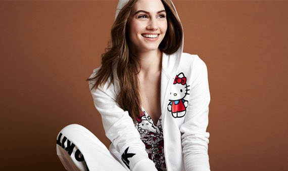 Hello Kitty Sleepwear- Visit Event