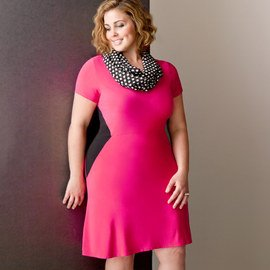 Color Cue: Plus-Size Apparel