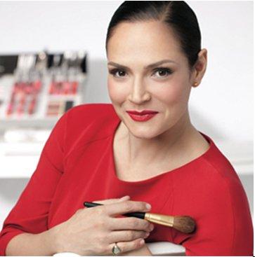 "Watch how Rebecca Restrepo, Elizabeth Arden Global Makeup Artist creates the Night ""Romance""."