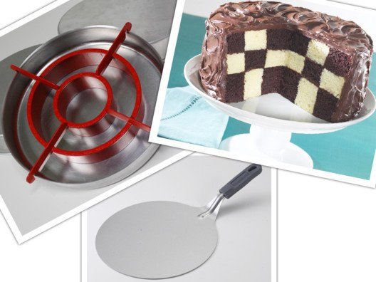 Bring a little magic to your next cake with this Checker Board Cake Mold.