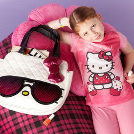 Hello Kitty: Apparel & Shoes