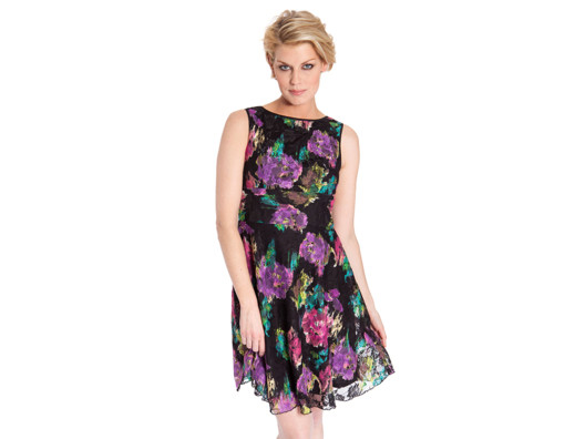 The cut of this dress is flattering for every figure and these colors are right on trend for spring and summer.