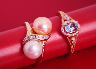 Spring Colors: Gold Jewelry from $25