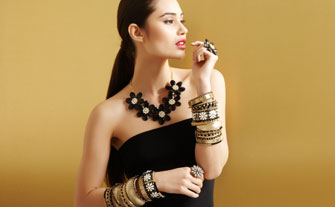 Top Trend: Black & Gold Jewelry- Visit Event