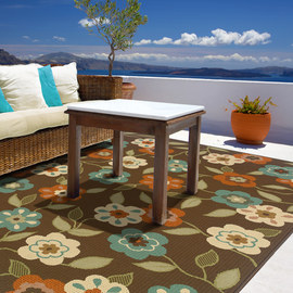 Outdoor Impressions: Striking Rugs