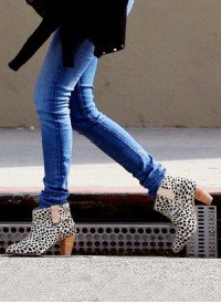 Skinny Jeans and Ankle Boots: Fun Styles to Try Now