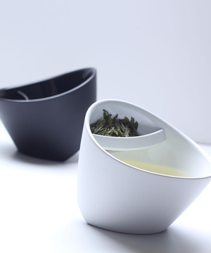 Magisso Tipping Teacup