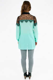 Queen Vic Button Up Shirt $33