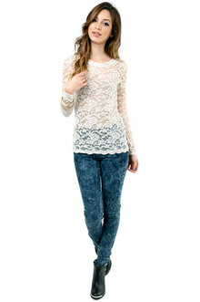 Lady in Lace Top $19