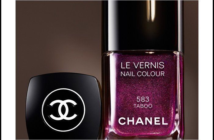 TABOO Introducing  the subversive new shade from COLLECTION RÉVÉLATION.