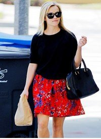 Get Reese Witherspoon's Feminine, Floral Look