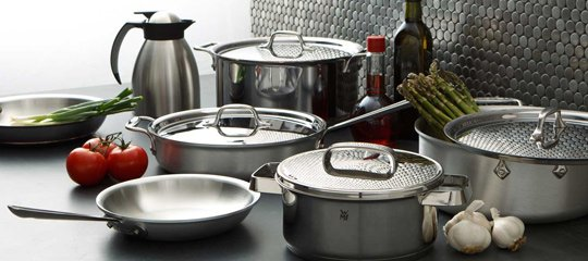 The Professional Kitchen:Stainless Steel Cookware