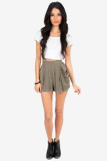Remi Flouncy Shorts $32