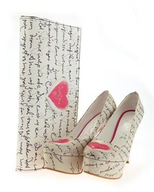 Elite Goby Heart & Text Print Heels & Clutch Set