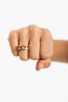 Curb Link Ring $6