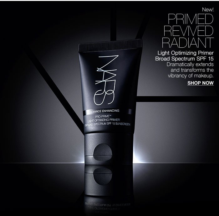 Light Optimizing Primer Broad Spectrum SPF 15: Dramatically extends  and transforms the vibrancy of makeup.