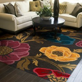 Floor Plan: Distinctive Rugs